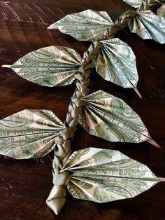 Diy Ribbon, Green Ribbon, Crown Money, Money Bouquet, Creative Money Gifts, Folding Money, Graduation Leis, Money Lei, Star Flower