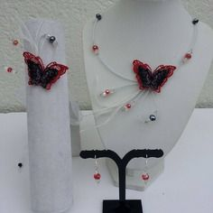Parure enfant collier, bracelet et boucles papillon de dentelle blanc, rouge et noir