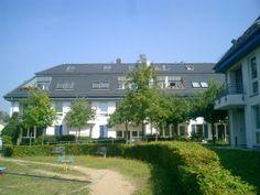 Diese wunderschöne 3,5-Zimmer-Wohnung befindet sich im 2.OG. bzw. DG. einer gepflegten Stadtvilla.  Die Wohnung ist sehr hell (Südwest-Ausrichtung) und großzügig geschnitten.  Miete : 770,00€