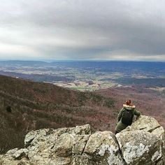 Photograph taken by my husband, @adventure.rench he has grown so much when it comes to expressing himself creatively and also learning to capture and see the world and life from a photographic perspective and I was so proud when I saw this gorgeous shot of me sitting on the edge of #stoneymanmountain in #shenandoahnationalpark #shenandoah can't wait to go back and explore the #BlueRidgeMountains more with him!!! #naturephotography #findyourpark #nationalpark #hike #clouds #sky #fromabove…
