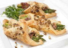 Asparagus, Prosciutto and Walnut Wraps