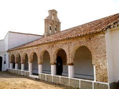 Exterior de la Ermita de Nuestra Señora del Ara, de estilo mudéjar.