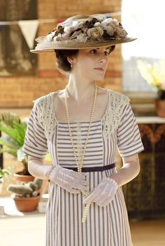 I can't wait for Downton Abbey to come back for Season 2. I love spoiled Lady Mary and her fabulous pre-flapper fashion.