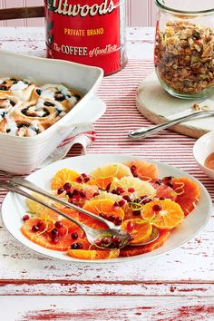 Add This Honey-Drizzled Citrus Salad to Your Christmas Brunch Menu ASAPcountryliving Christmas Brunch Menu, Christmas Side Dishes, Christmas Breakfast, Christmas Morning, Christmas Entrees, Christmas Ideas, Christmas Foods, Holiday Foods, Holiday Fun