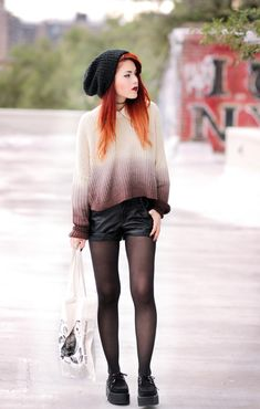 A woman wears a chunky knit ombre sweater, with shorts and black creepers for a messy winter punk style Grunge Outfits, Punk Outfits, Fall Outfits, Casual Outfits, Fashion Outfits, Mode Grunge, Style Grunge, Grunge Look, 90s Grunge