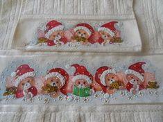TOALHAS DE ROSTO E BANHO! LÚCIA COSTA SIQUEIRA facebook.com Christmas 2017, Merry Christmas, Xmas, Tole Painting, Fabric Painting, Decoration, Best Gifts, Valentines, Diy Crafts
