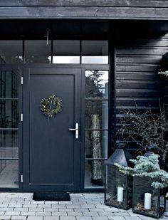 Noël dans la maison de bois noir - PLANETE DECO a homes world