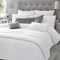 Kylie at Home Voda White Bedlinen. Simple and stylish.
