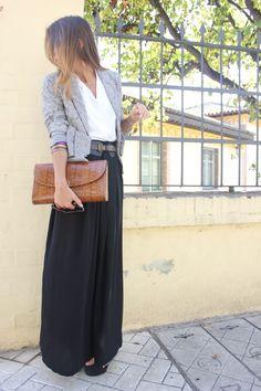 Camisa/Shirt: Mommy's closet  Falda/Skirt: H & M   Chaqueta/Jacket: H & M   Cinturón/Belt: Lefties   Tacones/Heels: Marypaz   Cartera/Clutch: old