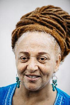 Michelle Marshall autora do Projeto MC1R. O nome faz referência ao gene que determina se a pessoa vai ou não ter os cabelos ruivos.