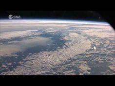 宇宙から撮影された地球【Full HD 1080p】 - YouTube
