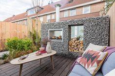 Gabion Wall Design, Rock Wall, Outdoor Furniture, Outdoor Decor, Sun Lounger, Homesteading, Bungalow, Home Decor, Garden Ideas