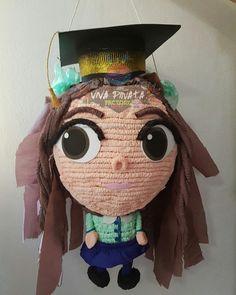 #Piñata #Estudiante un hermoso detalle para nuestros pequeñ@s graduad@s los esperamos en #VivaPiñataStore y chequen nuestros diseños exclusivos