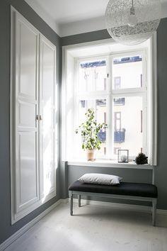 Sunlight Sankt Eriksgatan 55, 3 tr Gårdshus | Fantastic Frank Scandinavian interior Interior Stylist, Scandinavian Interior, Stockholm, Sunlight, Interior Inspiration, Homes, Space, Bedroom, Ideas