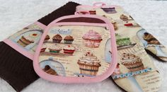 Embroidered Cupcake Oven Mitt  Potholder Set by LasmasCreations