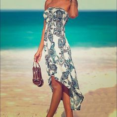 Venus paisley strapless hi-low dress Beautiful VENUS Hi-Lo Paisely Print dress! Women once on vacation. It is the perfect summer dress! Very comfortable and flattering venus Dresses High Low