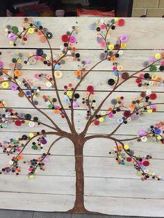 Button Tree Art, Button Wall Art, Button Art On Canvas, Fall Crafts, Crafts For Kids, Arts And Crafts, Summer Crafts, Art Mural Palette, Diy Pallet Wall