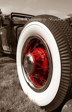 Rat Rod Wheel with traditional red hub and spokes
