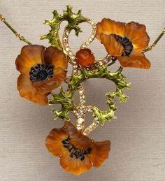 Rene Lalique.Poppy Necklace Circa 1900 #antiquejewelry #joyasantiguas #colgante #pendant