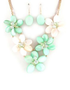 Pretty mint flower necklace and earrings.