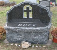 A gravestone that looks like a bench Cheap Headstones, Tombstone Designs, Stone Statues, Life Plan, Famous Women, Cemetery, Funeral, Mosaic, Memories