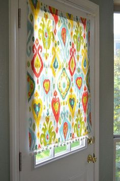 A quick way to make a no-sew, removeable window covering.