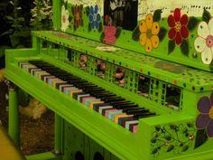Lime and flowers piano