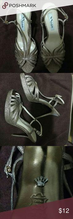 Nina New York Gold Glitter Slingback Gold slingback  High heel Sandal - Glitter-encrusted straps with a metallic finish. Bottom very scuffed, good condition. Nina  Shoes Heels