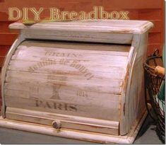 DIY how-to add French print & restyle a boring breadbox into a treasure Wooden Bread Box, Vintage Bread Boxes, Wood Crafts, Diy Crafts, Deco Nature, Diy Box, Diy Kitchen, Furniture Makeover, Trends