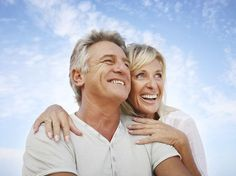 Cirurgia plástica pode ajudar a melhorar o relacionamento entre casais.