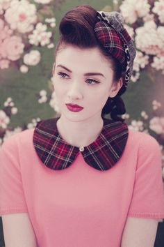 source: http://vintage-junkies.blogspot.com.au/2011/10/fly-to-neverland-with-peter-pan-collar.html