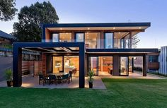 Rothesay Bay House by Creative Arch contemporary house design Steel Frame House, Steel House, Design Exterior, Casas Containers, Dream House Exterior, House Roof, Home Fashion, Modern House Design, Modern Wood House