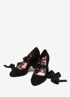 Contrast ballerinas - View all - Footwear - Uterqüe Spain