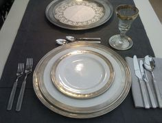 Guinevere Pewter-Edged Ceramic Dinner Plates and Dishes. To aspire to. Contemporary Chandelier, Contemporary Interior, Rustic Plates, Decorative Plates, Table Place Settings, Beach Furniture, Porcelain Sink, The Dish, Serving Platters