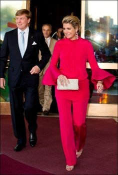 Willem-Alexander and Maxima Royal Fashion, Curvy Fashion, Fashion Brand, Queen Of Netherlands, Estilo Real, Queen Maxima, Princess Mary, African Fashion, Street Style