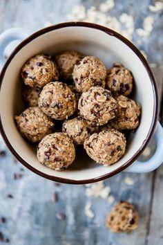5 Ideen für einen gesunden Start in den Tag - Erdnussbutter Enery-Bites - www.kuechenchaotin.de