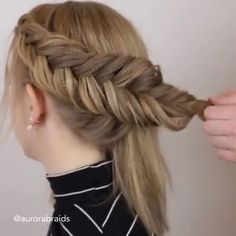 HAIR IDEAS Pretty Braided Updos for Short Hair 👌 Related posts:Braided Celtic Knot Scarf Knitting Hochzeitsfrisuren Half Up Half Down mit Locken und Braid, Hochzeit HairstyNudefarbene Laina Rae Pumps aus Lackleder ClarksClarks Hair Upstyles, Easy Hairstyles, Hairstyles Videos, Wedding Hairstyles, Sponge Hairstyles, Dancer Hairstyles, Hairstyles For Women, School Hairstyles For Teens, Interview Hairstyles