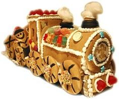 round engine! Gingerbread Train, Gingerbread Village, Gingerbread Cookies, Xmas, Christmas Ornaments, Goodies, Holiday Decor, Engine, Handmade
