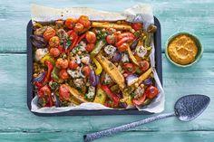 Ovengroenten met zoete aardappel en kip - Recept - Allerhande