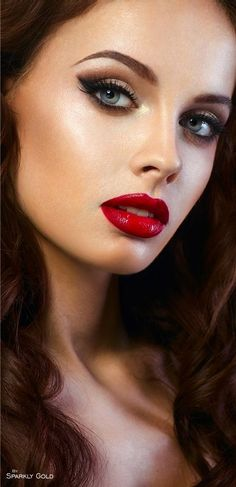 The Perfect Red Lipstick For All Skin Tones ideas 36 Most Beautiful Faces, Stunning Eyes, Beautiful Lips, Gorgeous Makeup, Simply Beautiful, Beautiful Women, Red Lipsticks, Woman Face, Pretty Face