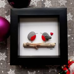 Robins pebble photo Valentine's day gift pebble art framed lovers present Valentine's day decor Valentine's day decoration kieselsteinbilder Stone Crafts, Rock Crafts, Crafts To Sell, Valentines Decoration, Art Encadrée, Robins, Pebble Pictures, Sea Glass Art, Valentines Day Gifts For Him