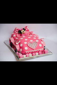 Mini mouse car cake