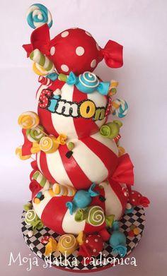 Sweet like candy 🍬🍭 whit fondant lollipops and pop cake bonbons Novelty Birthday Cakes, Novelty Cakes, Edible Creations, Cake Creations, Cupcakes, Cupcake Cakes, Beautiful Cakes, Amazing Cakes, Biscuit