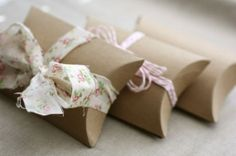 love the fabric ribbon accent