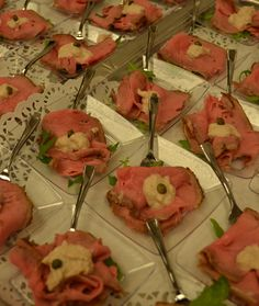 Amuse vitello tonato Italiaans buffet