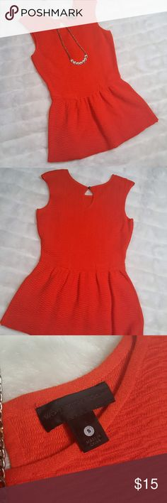 Cute red peplum top with keyhole back Red peplum top Worthington Tops