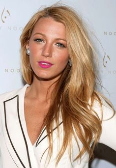 Top 10 celebs with beige blonde hair: Blake Lively - Top 10 celebs with beige blonde hair: Believable blondes