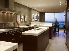 contemporary kitchen by Geoffrey De Sousa Interior Design - mocha wall color Murs Taupe, Taupe Walls, Sweet Home, Contemporary Kitchen Design, Kitchen Modern, Huge Kitchen, Narrow Kitchen, Awesome Kitchen, Modern Kitchens