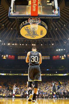 New Ideas Basket Ball Players Nba Stephen Curry Stephen Curry Basketball, Nba Basketball, Nba Stephen Curry, Volleyball, Basketball Quotes, Basketball Workouts, Basketball Tickets, Basketball Stuff, Basketball Birthday