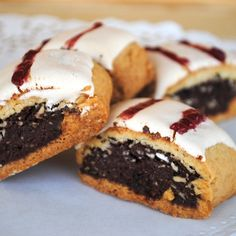 Avevo questa ricetta, salvata nei preferiti Biscuits Stuffed with Sponge Cake and Jam Biscotti Cookies, Biscotti Recipe, Galletas Cookies, Brownie Cookies, Christmas Biscuits, Yummy Cakes, Baked Goods, Cookie Recipes, Muffin